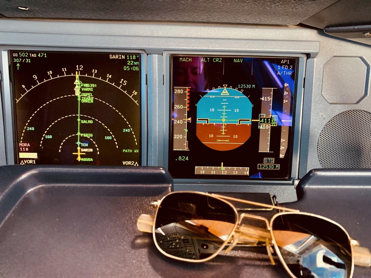 Controles cabina avión